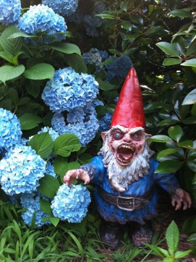 kobold o anao de jardim : kobold o anao de jardim:Zombie Garden Gnomes
