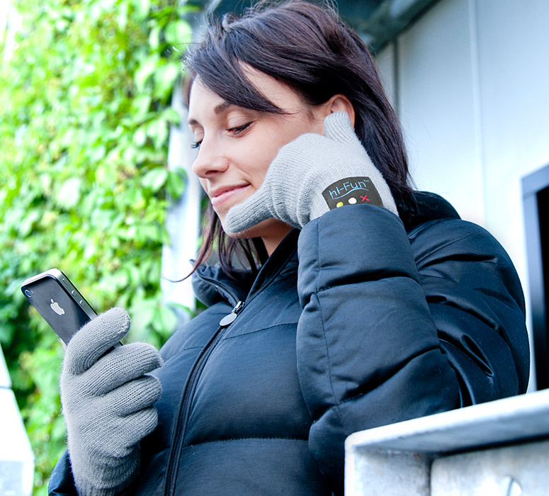 hi-call-bluetooth-talking-glove-turns-your-hand-into-telephone, telefone-na-mao, por-que-nao-pensei-nisso