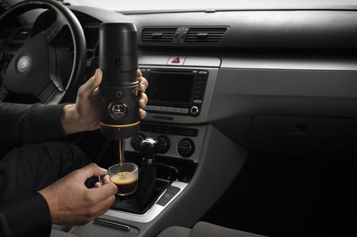 handpresso-auto, a-maquina-de-cafe-expresso-para-carro, a-maquina-de-cafe-expresso-que-cabe-na-mao, cafe-expresso, por-que-nao-pensei-nisso