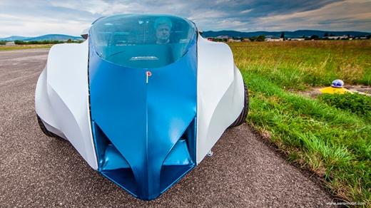 Aeromobil-2.5-Stefan-Klein, Aeromobil-Flying-Car, carro-voador, carro-que-voa, transporte-voador, meio-de-transporte-carro-voador, por-que-nao-pensei-nisso 1